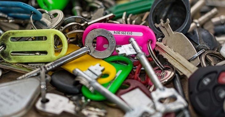 clés en pagaille de toutes les couleurs